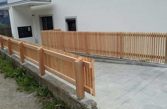 Zäune aus traditionellem Holz