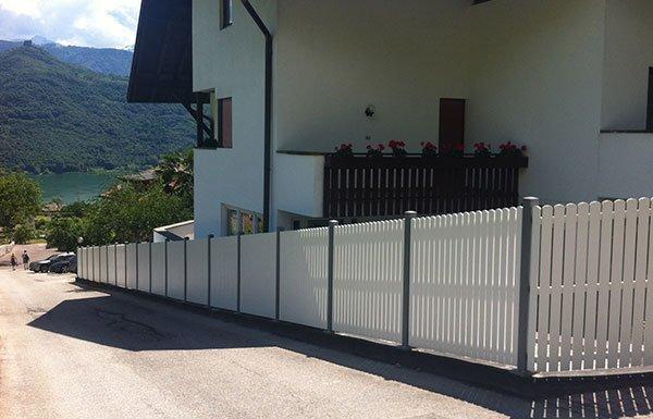 Zäunen für Grundstücke in ganz Südtirol